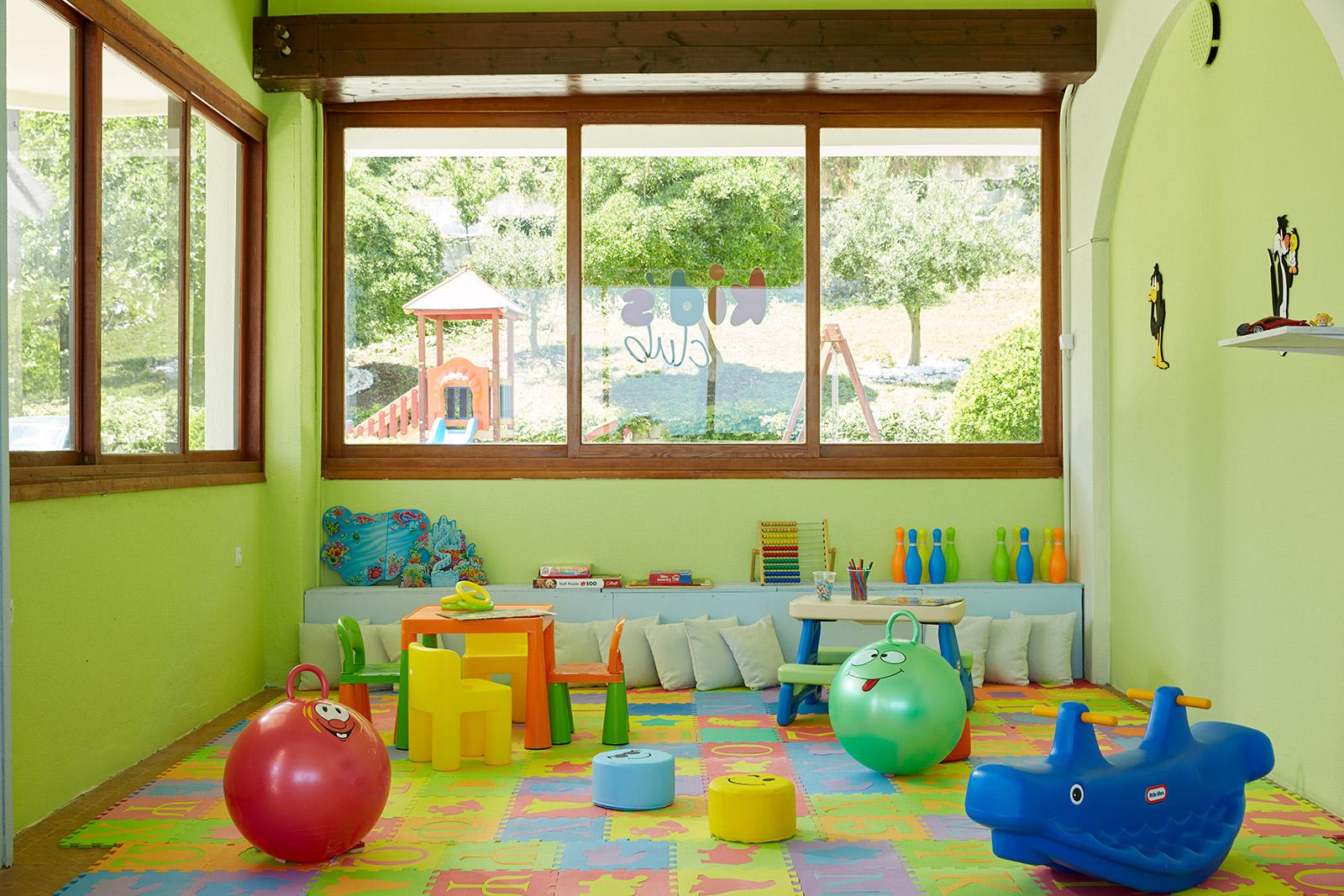 salle de jeux pour enfants à hôtel Ammon Zeus 5étoiles