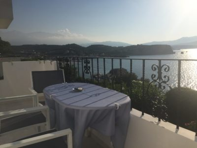 artravel.ch-balcon vue mer