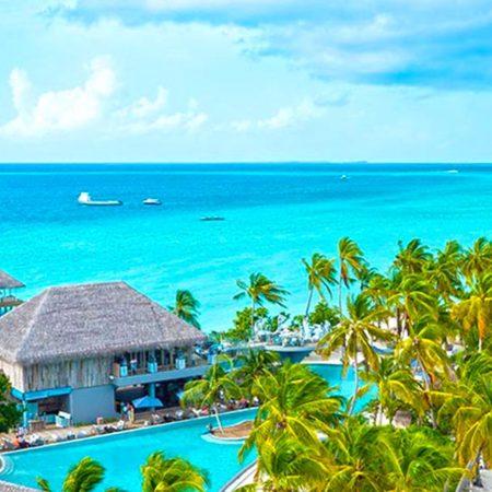 Le banc de sable de l'atoll Baa aux Maldives