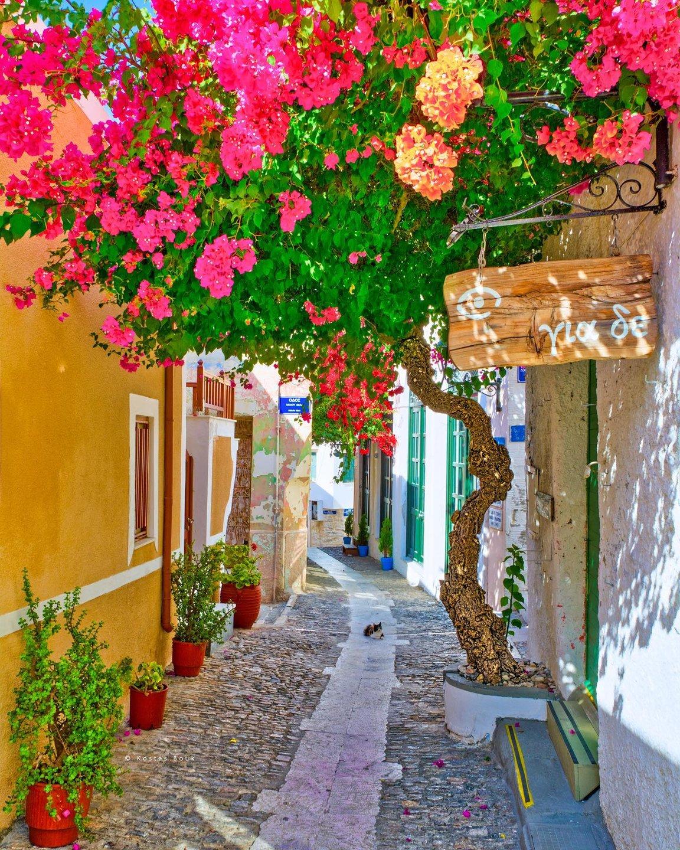 Ruelle de la ville d'Ermoupouli île de Syros îles Cyclades Grèce