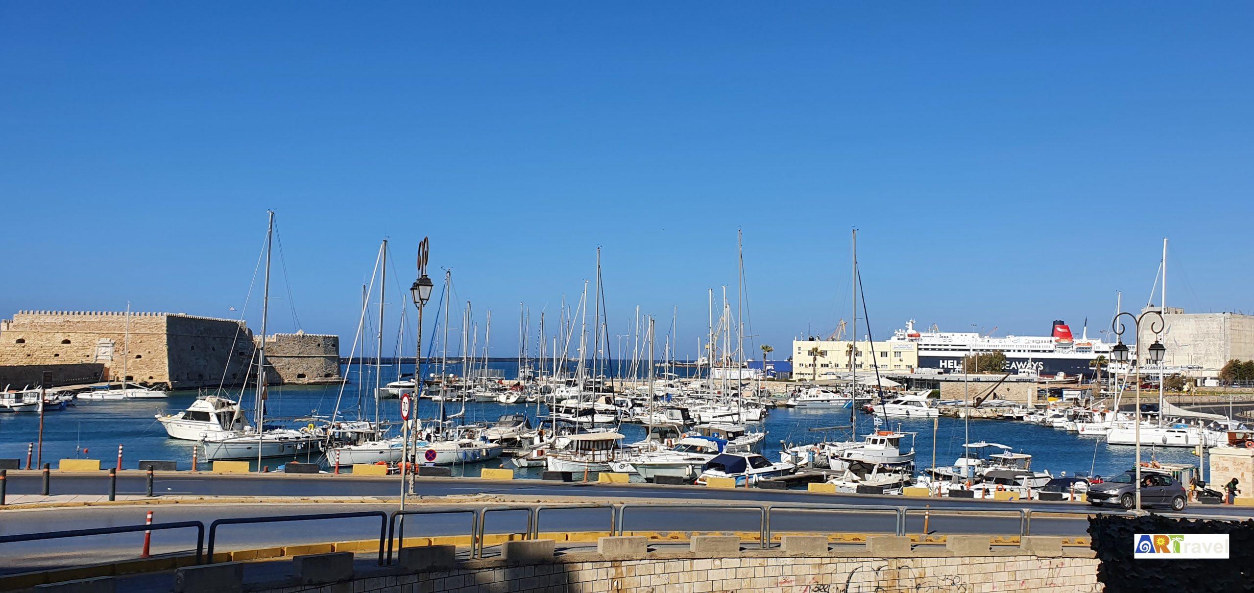 Port de bateaux de pêche à Heraklion Capitale de la Crète Grèce