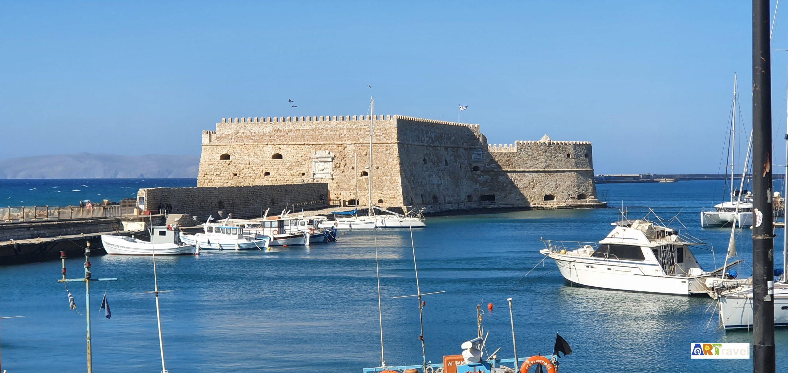 Port de Heraklion capitale de la Crète Grèce