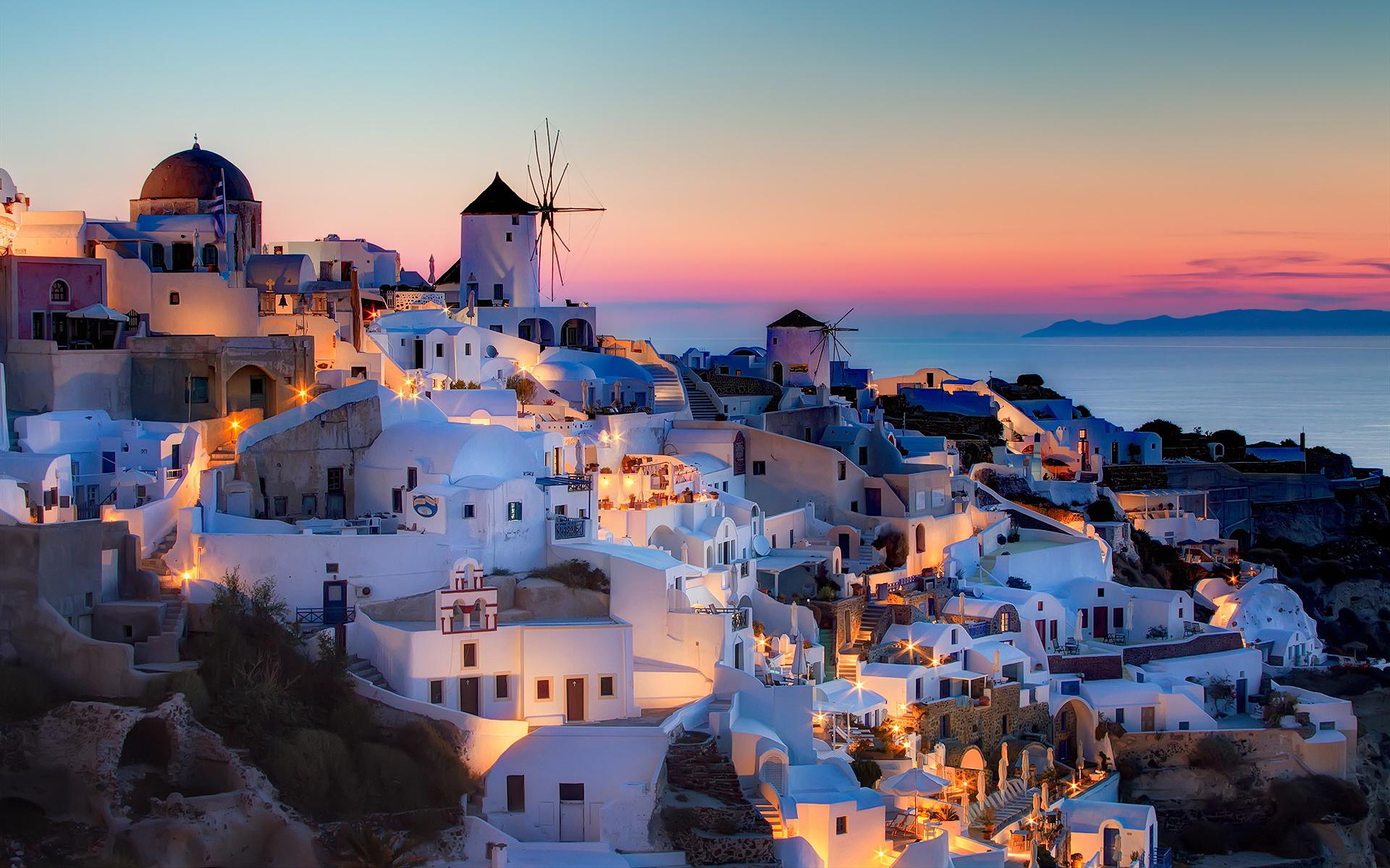 coucher de soleil de Oia île de Santorin îles Cyclades Grèce