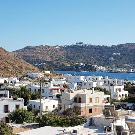île de Patmos au loin le Monastère de St-Jean